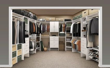 Walk In Closet in Laminate